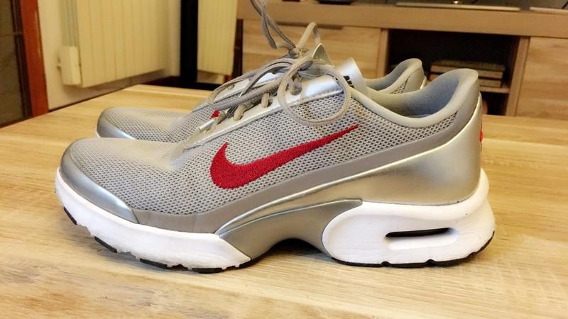 nike air max jewell gris rouge